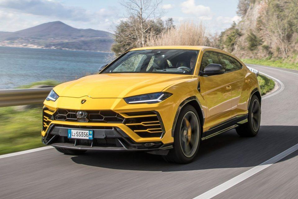 Lamborghini URUS – a bitang erős divatterepjáró